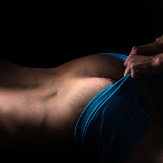 Juegos eróticos y sexuales en pareja, masaje tántrico